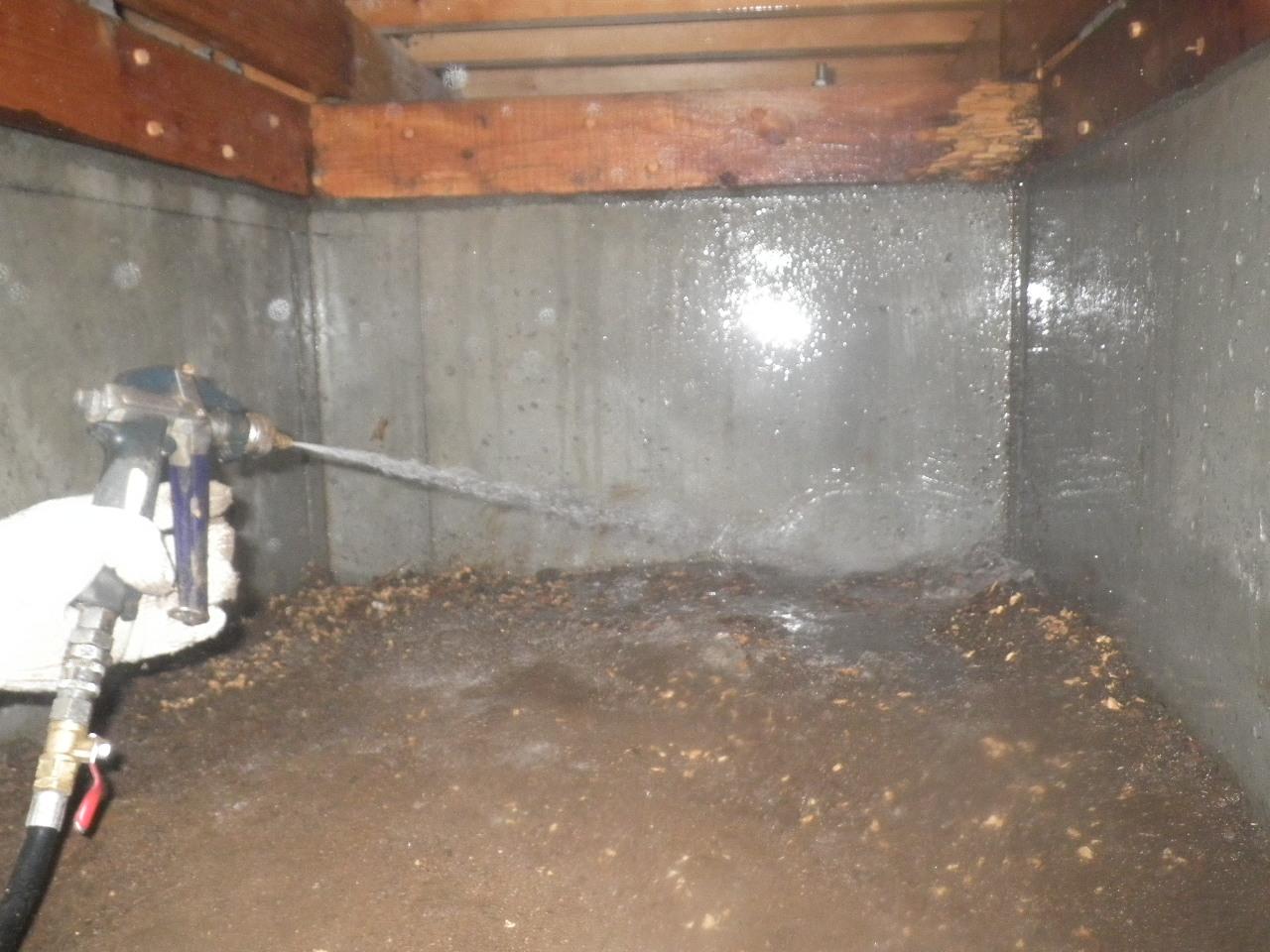 基礎回り土壌散布